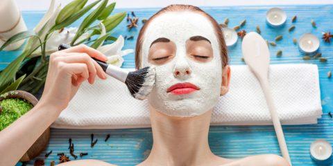 Антивозрастной уход за кожей: о косметике и не только